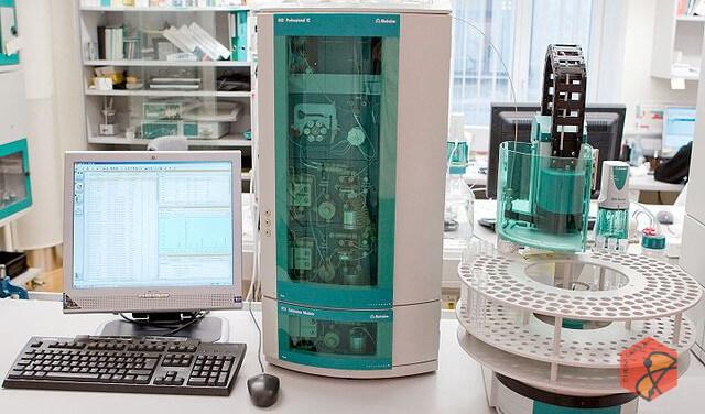اندازه گیری مقادیر بسیار کم آنیون ها، کاتیون ها و فلزات سنگین در آب و پساب با استفاده از روش های کروماتوگرافی یونی و پلاروگرافی