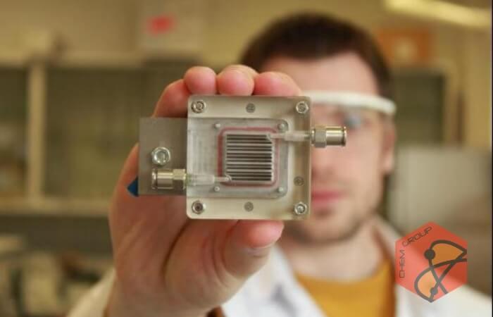 تولید هیدروژن و تصفیه هوا با یک دستگاه جیبی
